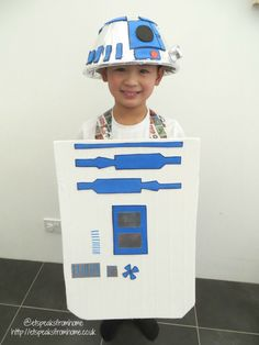 Make your own Costume for World Book Day! In time to celebrate the World Book Day on March Egmont is challenging us again (very excited! World Book Day Outfits, World Book Day Ideas, World Book Day Costumes, R2d2 Costume, Roald Dahl Day, Space Costumes, School Costume, Star Wars Books, Fancy Dress Outfits