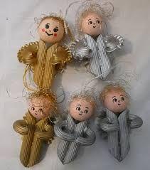 Výsledek obrázku pro výrobky na vánoční jarmark Christmas Crafts For Kids, Christmas Ornaments, Macaroni, Advent, Holiday Decor, School, Winter, Snowman, Stuffing