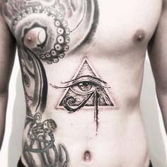 ✠ 𝗝 𝗢 𝗡 . 𝗟 𝗜 𝗠 ✠ (@jonlimtattoos) • Instagram photos and videos Palm Tattoos, Mini Tattoos, Black Tattoos, Body Art Tattoos, Sleeve Tattoos, Osiris Tattoo, Nefertiti Tattoo, Egyptian Eye Tattoos, Egyptian Tattoo Sleeve