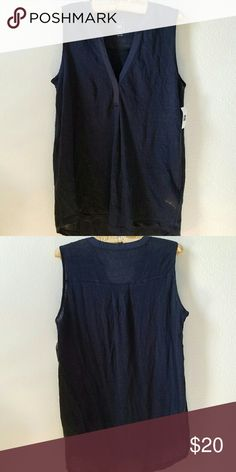 NEVER WORN Sleeveless Tunic Slightly sheer and perfect for a warm day or layering! Gap Tops Tunics