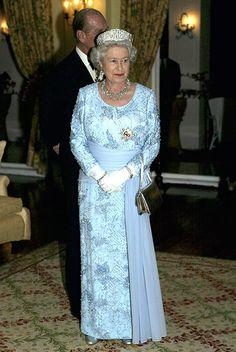 La Reina en el segundo día de su gira por Jamaica en 2002.