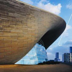 "Daniela Ibarra (@dannyibarrav) on Instagram: ""Fluid geometries of water In motion #LondonAquaticsCentre #zahahadid #architecture…"""