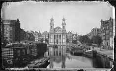 Amsterdam is beroemd om zijn grachten, maar ooit waren er nog veel meer van deze waterwegen. Tien gedempte grachten.