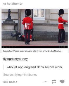 Alfred tuvo que ver en esto yo lo se<< I don't speak water that was but I saw the word Alfred. Hetalia England, Hetalia Funny, Memes, Hetalia Characters, Slip And Fall, Usuk, Axis Powers, Beautiful World, Funny Pictures