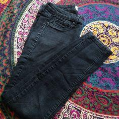 Black skinny jeans Size 5/6 Regular Lola black jeggings. Good condition. Aeropostale Pants Skinny