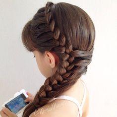 Inspired by @jennishairdays #frenchbraid #lacebraid #braidphotos #braidsforgirls #braid #peinado #penteado #tranca #trança #trenza #tresse