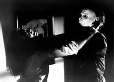 """Laurie Strode (Jamie Lee Curtis) struggles with """"The Shape"""" aka Michael Meyers in HALLOWEEN. #halloween"""