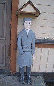 Poor man statue, Kannus, Finland/ Kannuksen vaivaisukko