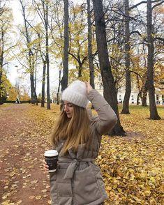 24 отметок «Нравится», 0 комментариев — 𝕕𝕖𝕤𝕚𝕘𝕟𝕖𝕣 / 𝕥𝕒𝕚𝕝𝕠𝕣 / 𝕤𝕥𝕪𝕝𝕚𝕤𝕥 (@rever.brend) в Instagram: «the most pleasant #hat in my life 🥰 ⠀ furry material- 100% angora / 750 kr. Hand made 🙌🏻» Canada Goose Jackets, Winter Jackets, Winter Coats