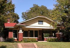 1000 images about texas bungalows on pinterest fort for Craftsman home builders houston