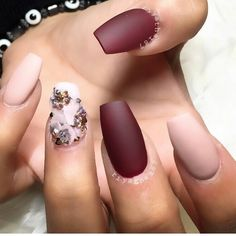 Looking for new nail art ideas for your short nails recently? These are awesome designs you can realistically accomplish–or at least ideas you can modify for your own nails! - Credits to the owner of the image - Get Nails, Matte Nails, How To Do Nails, Hair And Nails, Acrylic Nails, Fall Nails, Rose Nails, Best Nail Art Designs, Awesome Designs