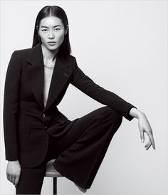 Top model Liu Wen poses for Well Suited story coming from the pages of the May 2014 edition of WSJ. Magazine captured by fashion photographer Daniel Riera. Fashion Model Sketch, Fashion Model Poses, Fashion Photography Poses, Fashion Sketches, Editorial Photography, Photography Tips, Studio Photography Poses, Photography Hashtags, Popular Photography