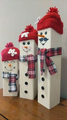 Snowman Family - set of 3 - Holiday wreaths christmas,Holiday crafts for kids to make,Holiday cookies christmas, Snowman Christmas Decorations, Christmas Wood Crafts, Christmas Signs Wood, Homemade Christmas, Christmas Snowman, Christmas Projects, Holiday Crafts, Christmas Ornaments, Christmas Holiday