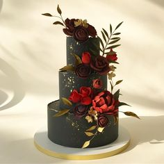 Thursday is the new Friday, and this cake is a drama queen. Pretty Cakes, Beautiful Cakes, Amazing Cakes, Bird Cakes, Cupcake Cakes, Cupcakes, Black Wedding Cakes, Wedding Cake Flavors, Just Cakes