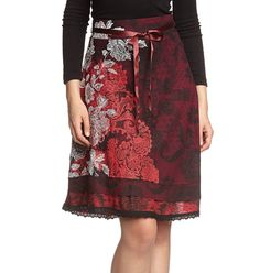 Desigual Sacha Skirt This burgandy and black skirt from Desigual is pretty  and femine. It b3edf5dc121d