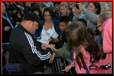 Kevin James making the fans happy with his autograph - Here Comes the BOOM Red Carpet Premier in Denver Oct 4th