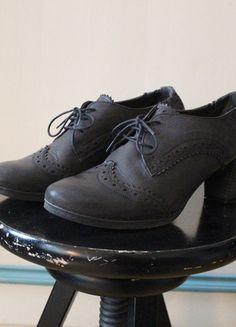 Kaufe meinen Artikel bei #Kleiderkreisel http://www.kleiderkreisel.de/damenschuhe/hohe-schuhe/117147204-zign-zalando-granny-pumps-vintage-stil-leder-budapester-schnurung-gr-40-schwarz