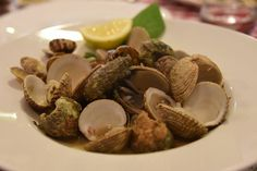 Dondole and mussels in white wine at Taverna De Amicis | Courtesy Taverna De Amicis