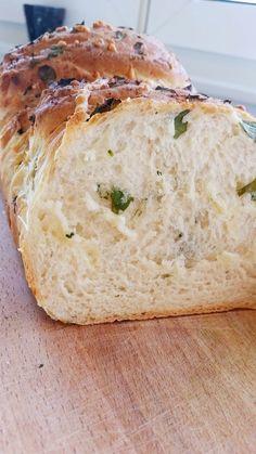Vitlöksbröd med örter och ost - Zeinas Kitchen Bread Baking, Banana Bread, Muffins, Grilling, Bakery, Snacks, Desserts, Lchf, Blankets