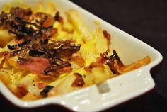 Cheese Fries mit karamellisierten Zwiebeln & Baconstreuseln