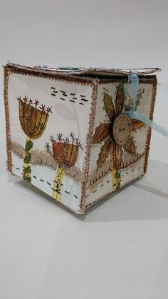 Collage Box workshop a way to brighten up a grey Saturday Free Motion Embroidery, Free Machine Embroidery, Embroidery Art, Textile Fiber Art, Textile Artists, Collages, Fabric Boxes, Fabric Basket, Fabric Storage