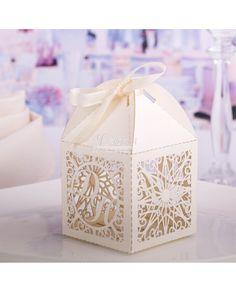 Романтичная пригласительная открытка с вкладышем из плотного картона! http://4udesa.od.ua/wedding-invitation-pop-up-card.html