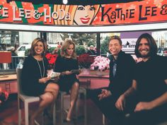 Today we stopped by the Today Show to tape a special Minimalist Holiday segment. The interview airs Christmas Day. Big thanks to Kathy Lee and Hoda for chatting with us. #TODAYshow #KLGandHoda