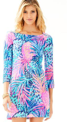Look for the newest innovation in sun protection. The Lilly Pulitzer UPF Sophie Dress in Gypset Paradise offers that while keeping you looking GREAT! Lily Pullitzer, Lilly Pulitzer Prints, Resort Wear For Women, Dress Lilly, Beach Dresses, Everyday Outfits, Spring Outfits, The Help, My Style