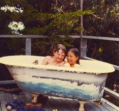 fab diy outdoor clawfoot hot tub Susan Dworski: outdoor vintage tub on the deck Outdoor Bathtub, Outdoor Showers, Outdoor Projects, Outdoor Ideas, Backyard Ideas, Diy Projects, Outdoor Decor, Portable Dishwasher, Jacuzzi Hot Tub