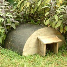 Fabriquer une petite maison pour les hérissons du jardin