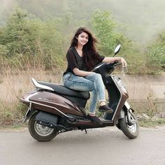 Image may contain: 1 person, sitting, motorcycle and outdoor Dehati Girl Photo, Girl Photo Poses, Girl Photography Poses, Beautiful Girl Photo, Beautiful Girl Indian, Beautiful Girl Image, Simply Beautiful, Beautiful Women, Stylish Girls Photos
