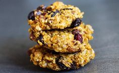 Ciasteczka owsiane z bakaliami Healthy Cookies, Something Sweet, Cookie Bars, No Bake Desserts, Easy Healthy Recipes, Granola, Holiday Recipes, Brunch, Food And Drink