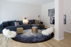 CLIC richtet Musterwohnung der Rainville Appartements ein | CLIC Couch, Projects, Furniture, Home Decor, Apartments, Homes, Log Projects, Settee, Blue Prints