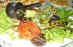 Отдавна не сме си приготвяли зеленчуци на скара. Предлагаме ви да ги гриловаме, но преди това ще ги залеем с нещо интересно, за да постигнем невероятен резултат. Добър апетит! 🙂 Chicken, Meat, Food, Eten, Meals, Cubs, Kai, Diet