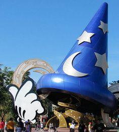 A Disney World oferece vagas para pessoas de diferentes partes do mundo e tem vaga aberta para representante cultural do Brasil.