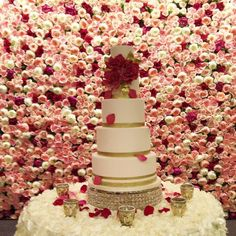 awesome vancouver wedding Can we take a moment to adore this cake from @aelizabethcakes!? What a perfect match with out flower wall. #wedding #cake #perfection by @keyeventsandweddings  #vancouverflorist #vancouverwedding #vancouverweddingcake #vancouverwedding