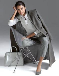 Jumper, pure cashmere, Coat, pure cashmere, Trousers, Handbag, Heels