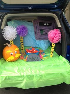 The Lorax themed trunk or treat! The Lorax themed trunk or treat! Holidays Halloween, Halloween Kids, Halloween Treats, Halloween Party, Halloween Decorations, Halloween 2017, The Lorax, Mario Bros, Truck Or Treat
