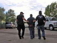 Agentes de EEUU participa en el arresto de 24 miembros del cartel de Sinaloa  http://www.elperiodicodeutah.com/2016/01/noticias/internacionales/agentes-de-eeuu-participa-en-el-arresto-de-24-miembros-del-cartel-de-sinaloa/