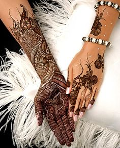 "Share this on WhatsAppThe Arabic mehndi designs are usually visible on wedding day and ""Henna nights"". They also call Henna night as ""the night before [. Eid Mehndi Designs, Henna Tattoo Designs, Henna Tatoos, Tatto Design, Bridal Henna Designs, Mehndi Tattoo, Mehndi Images, Mehndi Designs For Hands, Henna Mehndi"
