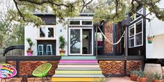 ✶Take a Peek Inside Austin, TEXAS's Most Colorful 400-Square Foot Home✶