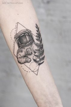 Cool Forearm Tattoos, Arm Band Tattoo, Cool Tattoos, Mini Tattoos, New Tattoos, Tatoos, Geometric Tattoo Nature, Hipster Tattoo, Small Tattoos For Guys