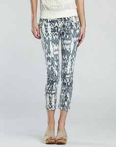 Legend Ikat Charlie Capri Jeans - Get artistic in our Legend Ikat Charlie Capri jeans from our premium Lucky Legend collection. With a low-rise, slim fit and capri cut, these eye-catching jeans in a vintage print create Spring style that's also super comfortable, thanks to our Super Stretch denim. Pair them with bright blouses, simple boho tops and more.