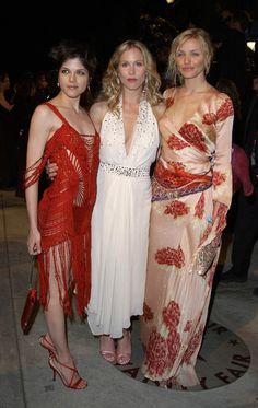 Selma Blair, christina Applegate y Cameron Diaz Oscars 2002 Oscar Fashion, 2000s Fashion, Runway Fashion, Selma Blair, Cameron Diaz, Christina Applegate, Vanity Fair Oscar Party, Event Dresses, Celebs
