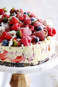 This night-before frozen Christmas ice-cream cake is quick and delicious, and will have your guests coming back for more! Recipe by the Australian Women's Weekly. cream Cake The-night-before Christmas ice-cream cake Christmas Ice Cream Cake, Frozen Christmas, Christmas Lunch, Christmas Cooking, Christmas Desserts, Christmas Treats, Christmas Recipes, Christmas Parties, Holiday Recipes