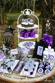 Little Big Company blog, spook-a-liscious Halloween party by Sweet Scarlet Designs
