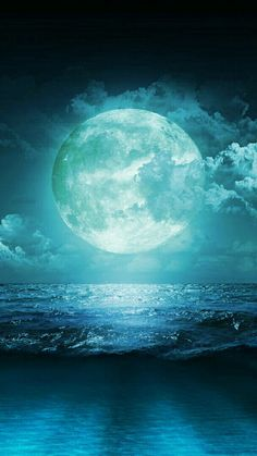 Amazing Beauty and color of the Moon and ocean!!/ ss