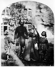 Oscar Gustave Rejlander, Alfred Tennsyon, Baron Tennyson with his wife Emily and sons Hallam and Lionel, ca. Most Famous Poems, Famous Poets, Isabel I, British Poets, Alfred Lord Tennyson, Julia Margaret Cameron, 1800s Fashion, National Portrait Gallery, Vintage Photography