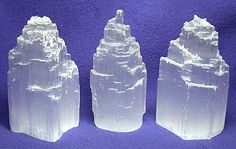 Selenite heals the cells of the body and ensures that the fluid system flows harmoniously, including spinal fluid. Told to align the spinal column and promote flexibility. Also associated with mental clarity, insight, & awareness.