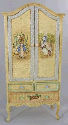 BEATRIX POTTER hand painted armoire                                                                                                                                                                                 Más
